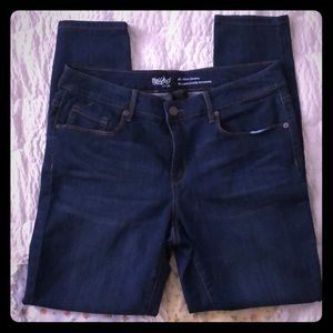 Mossimo Mid-Rise Skinny size 12/31.  NWOT.